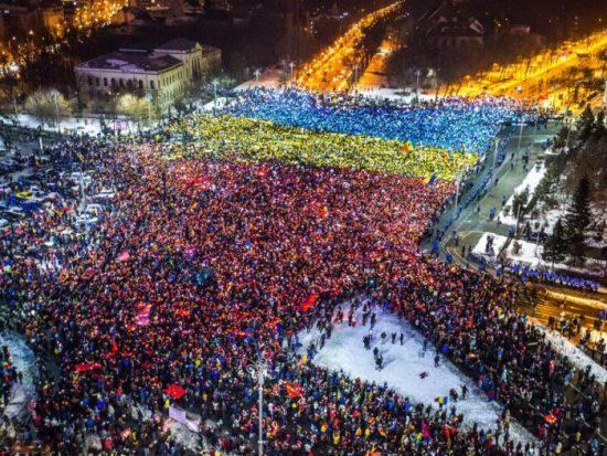 Se va putea salva democrația? Vom rezista?