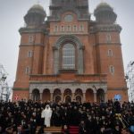 Dumnezeu a coborât astăzi printre români…