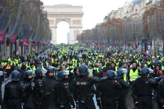 Violențe majore în Franța, din nou!